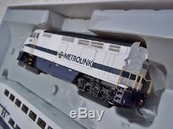 Athearn HO Scale Metrolink Bombardier Coach Cars Set Locomotive Train #25992 NIB
