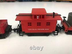 Bachmann HO Scale Model Trains Jupiter Steam Locomotive Engine withCaboose +2 Cars