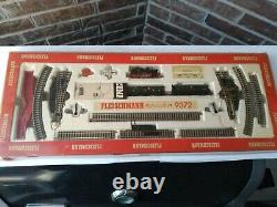 FLEISCHMANN Piccolo 9372 N Gauge Train Set in Box with Engine Cars Track Switch +