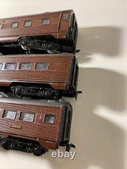 HO Model Train IHC GG 1 Locomotive Pennsylvania, PRR 4856 With Passenger Car