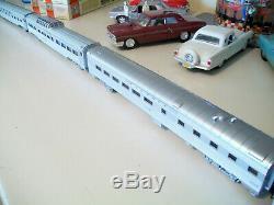 HO SANTA FE F7 A-B-A with Eight Streamline Passenger Car Train Custom Detailed