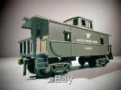 Kusan DC Train Set Locomotive US Army WITH 3 US ARMY Cars O Scale