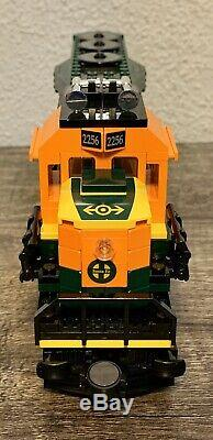 LEGO 10133 BNSF Locomotive Train Burlington Northern Santa Fe, 100% Complete