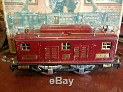 Lionel 353 Standard Guage Train Outfit (No. 8 Loco & 3 Cars)