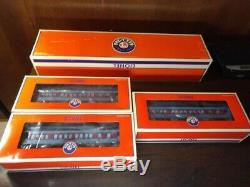 Lionel Polar Express Train Locomotive Tender And 3 Passenger Cars 6-28649