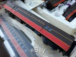 MTH O Scale E-8 ABA Diesel Engine Set Illinois Central Train + passenger cars