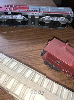 Marx Trains 1095 O Santa Fe ABA Diesel Locomotives And Cars With Tracks Works