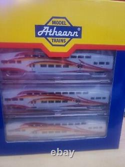 New Mexico RailRunner N Scale train (1 locomotive + 3 cars)
