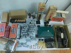 Nice Lot Lionel Marx Train Cars And Accessories