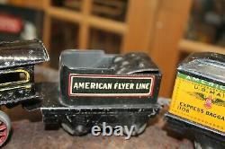 PREWAR AMERICAN FLYER CAST IRON WIND UP TRAIN With BOX 3 TIN CARS WORKS AS IS