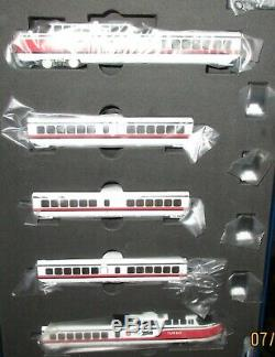 Rapido N scale Turbo Train Early Amtrak 5 car set 520003