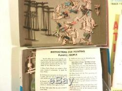 Tyco HO Train Set Lot Engine 7 Freight Cars Transformer Tracks Accessories 1974