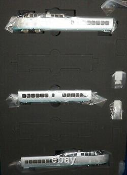 United Aircraft TurboTrain 3-Car Train Set LokSound DCC Rapido 520501 N Scale