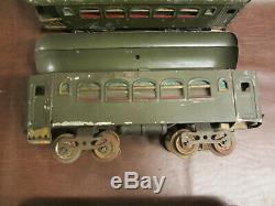 VINTAGE 1920s 30s LIONEL TRAINS STANDARD GAUGE NYC ELECTRIC ENGINE & 4 CARS