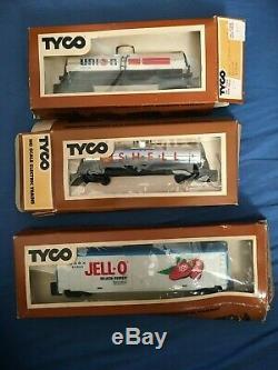 Vintage TYCO Model Railroad HO Scale Large Lot Locomotives, Train Cars, Manuals